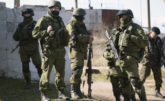 Russia builds forces on Ukraine border