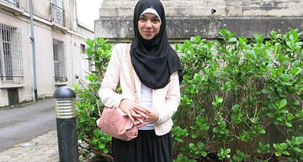 French Muslim girl returns to school in 'banned' skirt