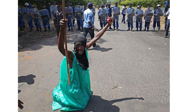 Protesters to African leaders: end Burundi presidential bid