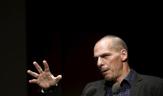 Varoufakis threatens lawsuit against Commission