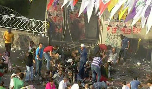2 dead, 100 hurt in blasts at Kurdish rally in Turkey