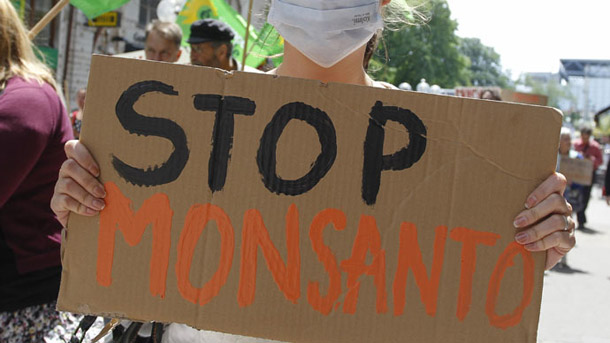 Monsanto plans 'corporate inversion' move to UK