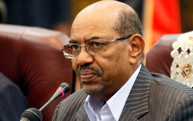 Sudan's Bashir heads to AU Summit in South Africa