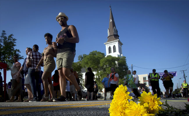 Charleston mourns, begins healing after massacre