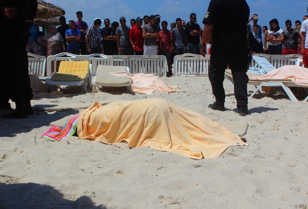 Tunisia sees losses of $515 million for tourism after attacks