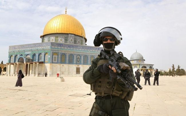 Israel forces arrest 2 Palestinians after Aqsa standoff
