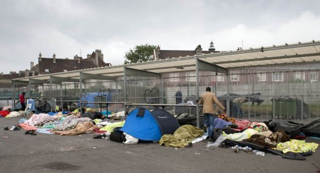 French refugee camp protest causes road chaos