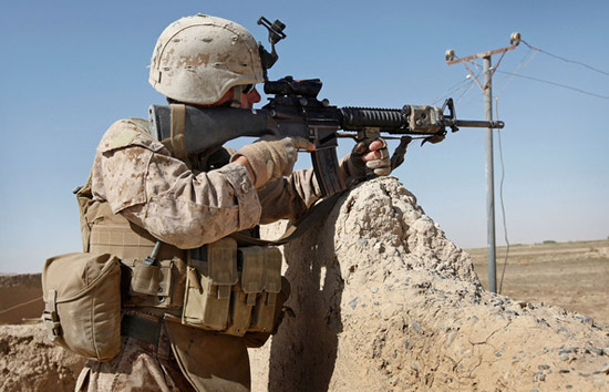 US marines with unlicensed arms detained in Vienna