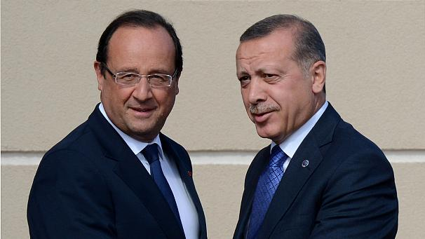 Erdogan, Hollande talk refugee crisis