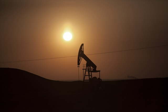 US oil production nears record set in 1970