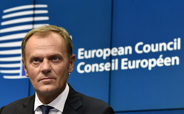 EU's Tusk ready to call summit on refugees