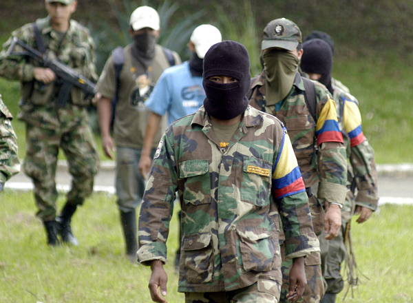 Ex-Colombian guerrillas sworn into Congress
