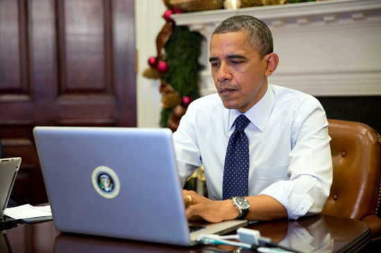 Obama turns to crowdfunding to 'aid' refugees