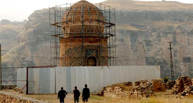 Historical tomb in Hasankeyf, Turkey to be moved