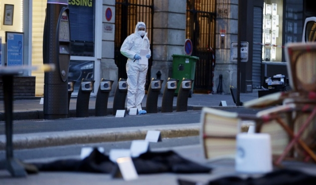 First moments of Paris attack