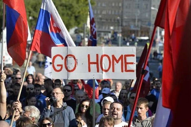 Slovakia to file lawsuit over EU refugee quotas