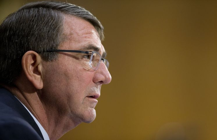 Pentagon chief urges Gulf to do more in Iraq