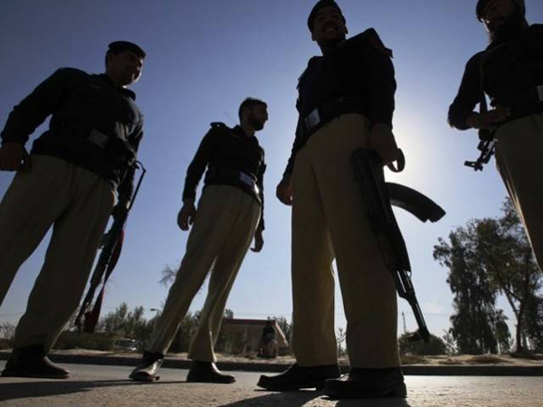 Gunmen kill Shiites in southwest Pakistan