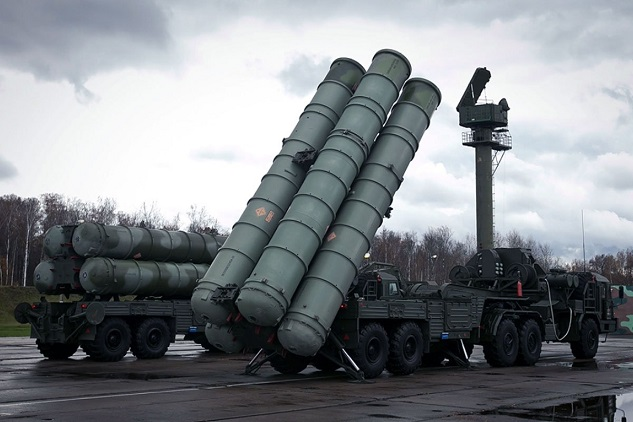 Turkey signs deal to buy Russian S-400 missile systems