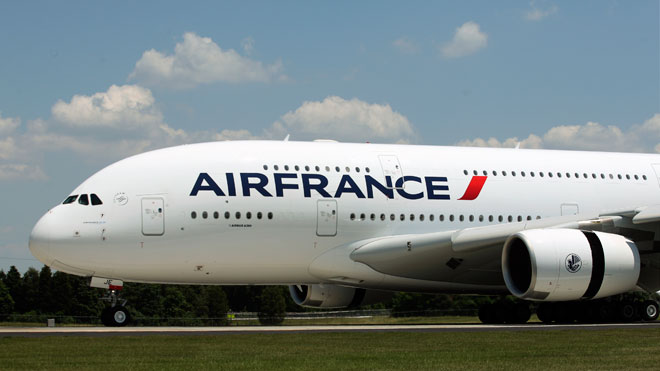 Air France crew unions meet bosses over Iran headscarf rule