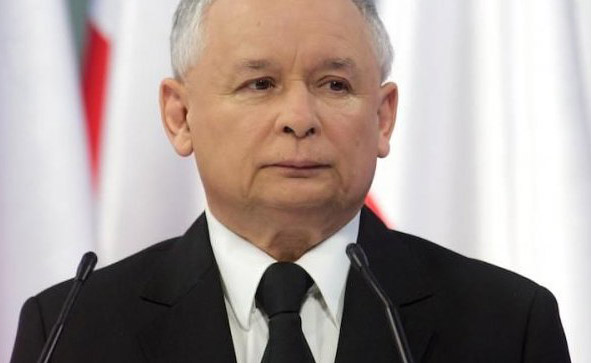 EU admonishes Poland rightwing over changes to court