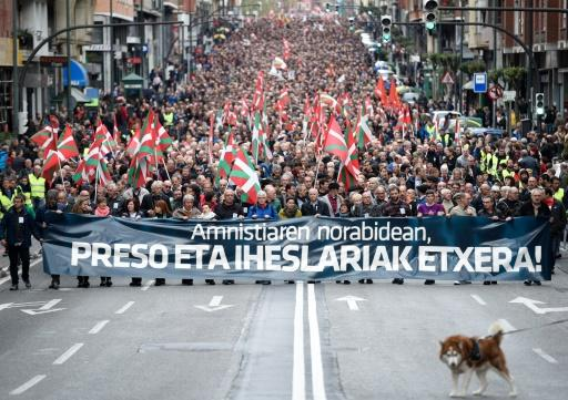 Thousands march in Spain for release of ETA prisoners