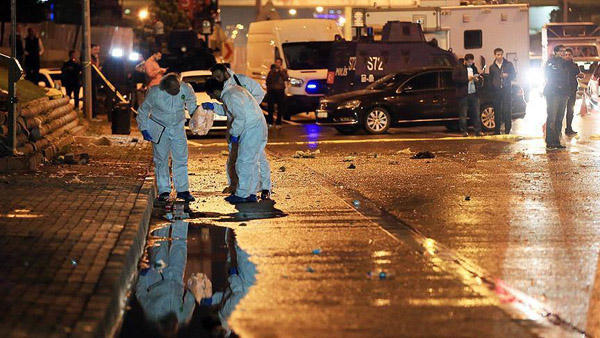 Bomb blast overnight injures 4 in Istanbul