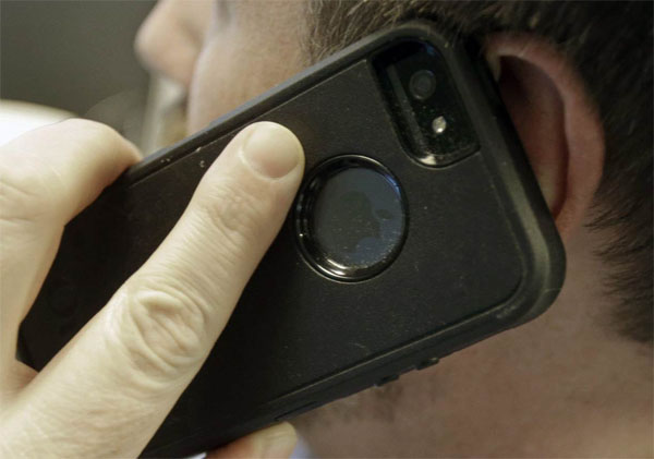 Cell phone use linked to brain cancer in rats