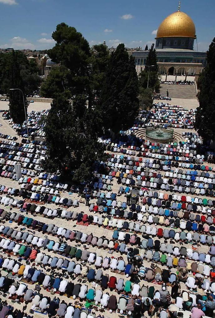 Palestinians pray at Al-Aqsa for 2nd Friday of Ramadan