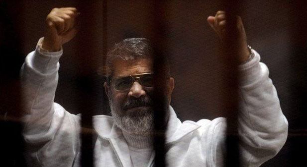 Egypt court overturns 'terror list' ruling on Morsi