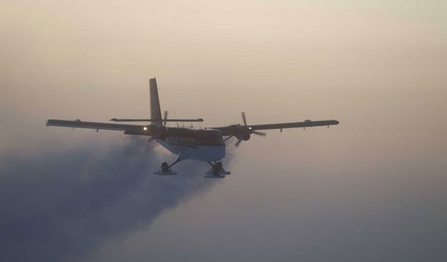 Canadians make dangerous flight to South Pole for rescue