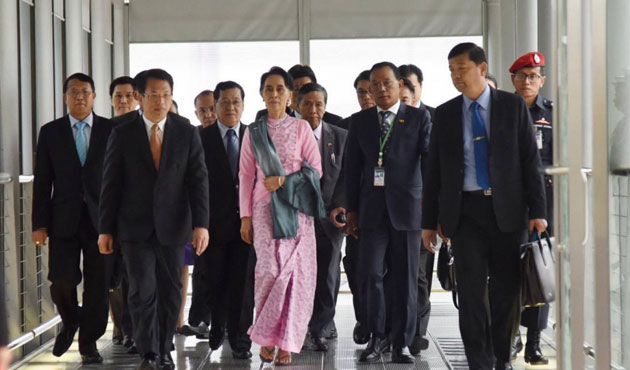 23 Thai officials removed from posts after Suu Kyi trip
