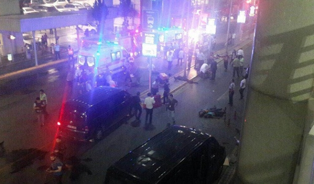 Istanbul airport suicide attack, multiple dead