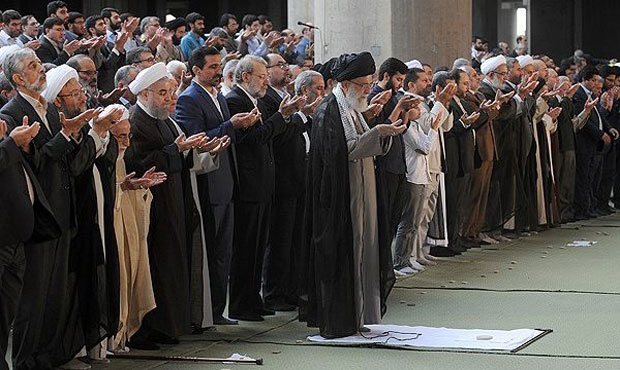Supreme Leader leads Tehran Eid al-Fitr prayers