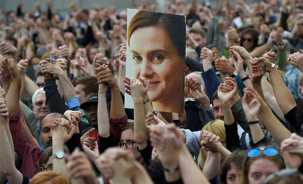 Hundreds turn up for UK Jo Cox's funeral