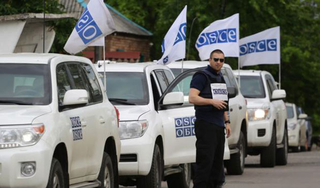 OSCE says monitor threatened at gunpoint in Ukraine
