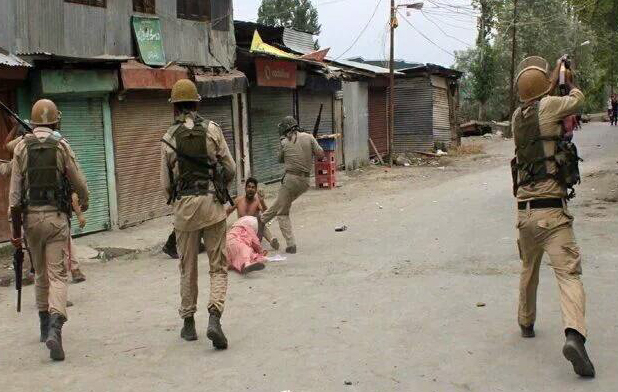 Violence continues as Indian minister visits Kashmir