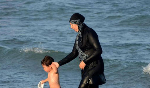 UN urges French towns to drop 'burkini' bans