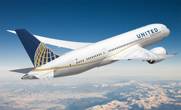 United Air bars girls with leggings, ignites Twitter storm