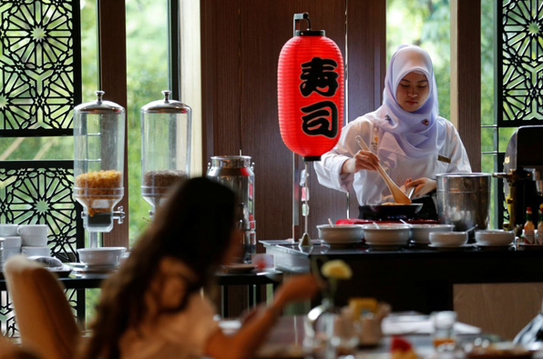 First halal food hotel opens in Buddhist Thailand
