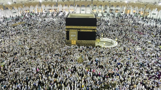 1.8 million Muslims took place in hajj this year