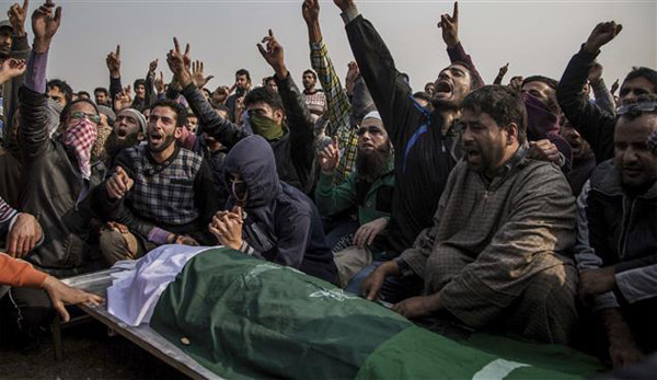 Kashmiri protester killed, 16 injured after Eid prayers