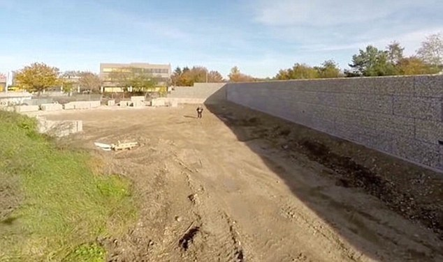 'Munich wall' being built as sound baffle against refugees