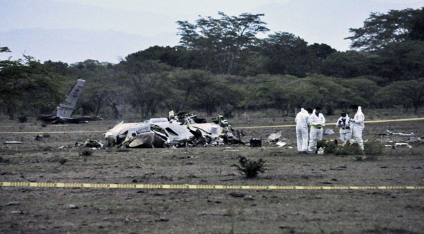 8 dead in military plane crash in Cuba