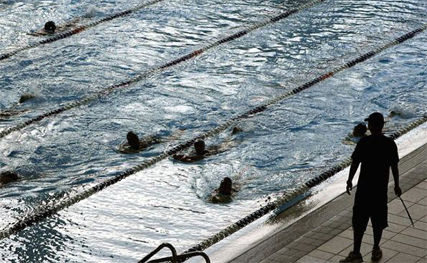 Swiss force Muslim girls into mixed swimming lessons