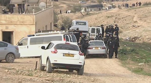 Israeli forces attack inmates at Negev prison facility