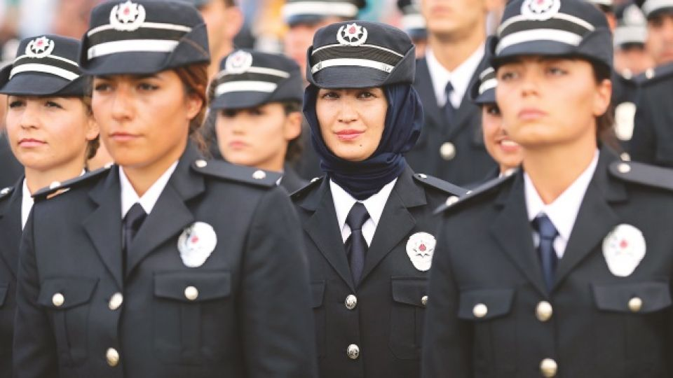 Turkey lifts ban on army officers wearing headscarf