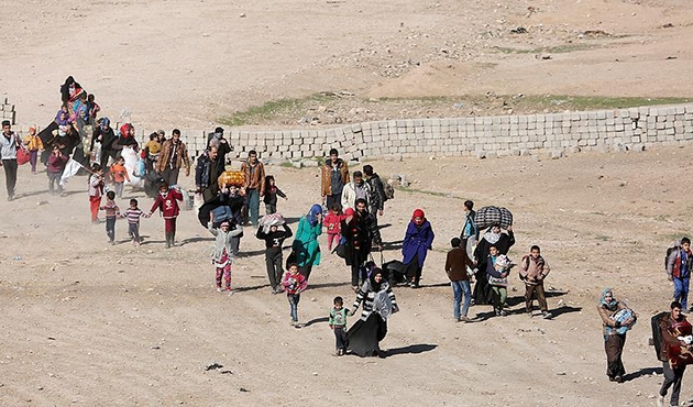 Hundreds evacuated from Mosul amid anti-ISIL op