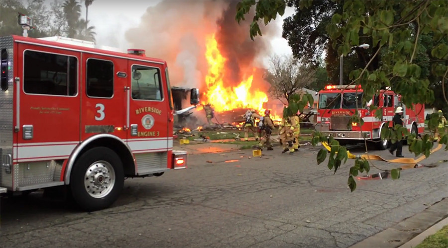 At least four killed in California plane crash