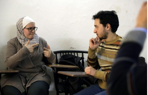 Deaf Syrians learn the language of war